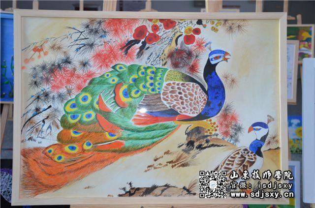 水粉画,丙烯画,线描画,彩铅画五种,手工作品包括衍纸画,瓦楞纸作品